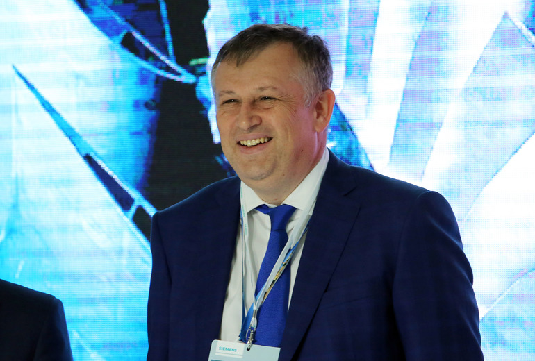 Губернатор Ленобласти Дрозденко отказался от мандатов Госдумы и регионального парламента