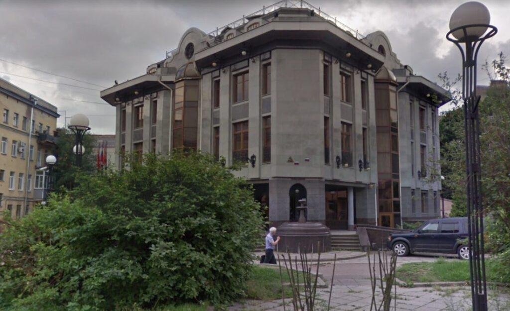 Бизнес-центр на Василеостровской выставили на продажу за 230 млн рублей