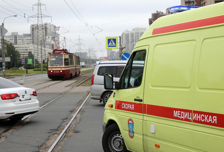 В России третий день подряд умирают более 900 человек от COVID-19