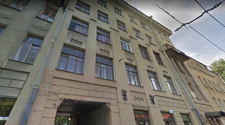 В Петроградском районе ночью горела квартира