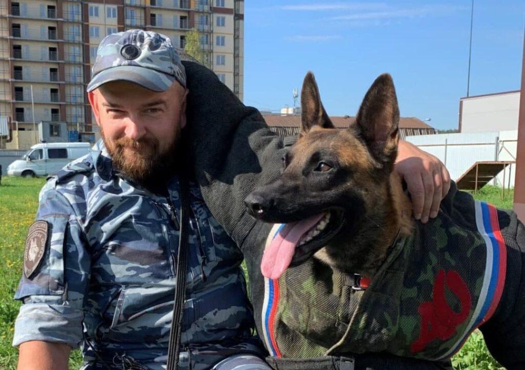 Служебная собака помогла полицейским найти тело убитой петербурженки на пустыре у Волго-Донского проспекта