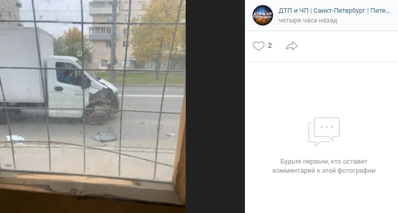 Авария: каршеринг не пропустил Газель на перекрёстке Ветеранов и 2-й Комсомольской