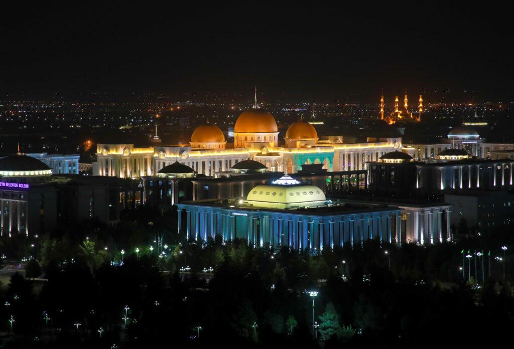 Делегация Петербургского правительства отправилась с официальным визитом в Ашхабад