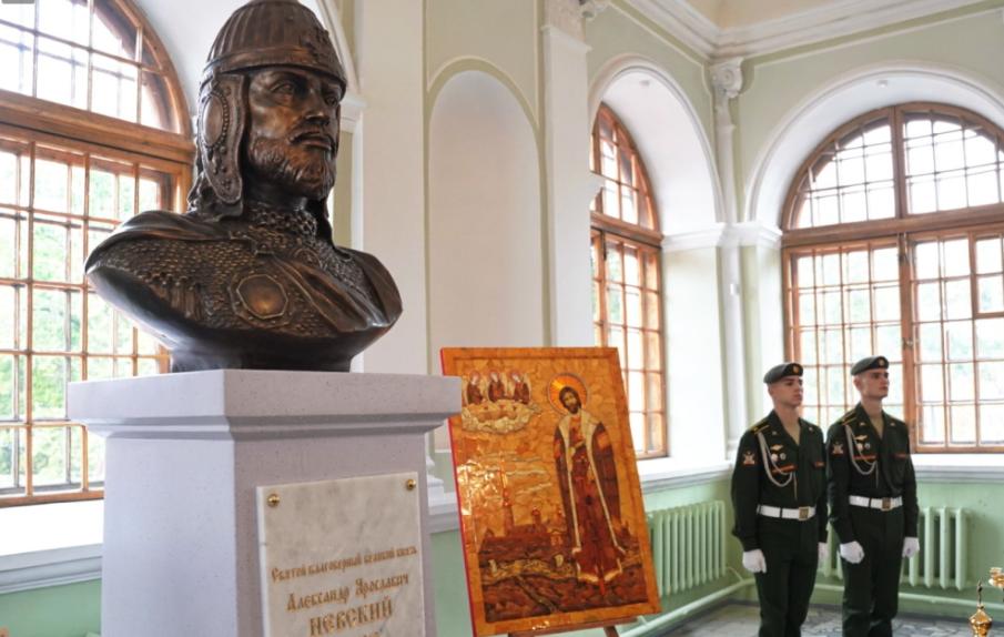 Торжества в честь 800-летия Александра Невского, когда Петербург на первом месте по COVID-19: главное к вечеру 12 сентября