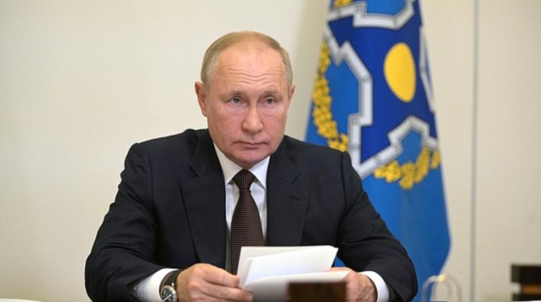 Путин сказал, что десятки людей в его окружении заболели COVID-19