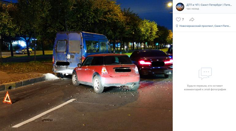 На Новочеркасском авария с «Газелью» и легковушкой перекрыла две полосы движения