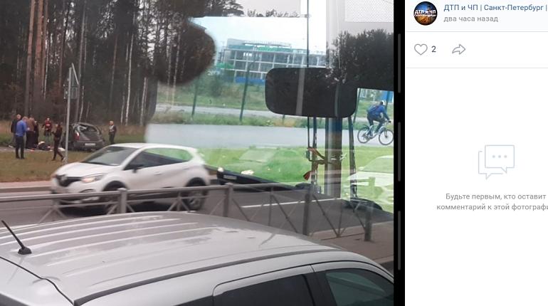 Покалеченного водителя выбросило из машины в ДТП на дороге на Каменку