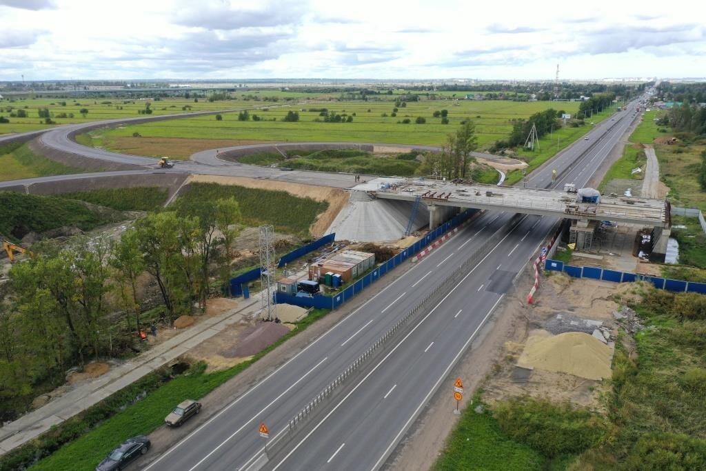 На трассе М-10 ремонтные работы перекроют две полосы движения
