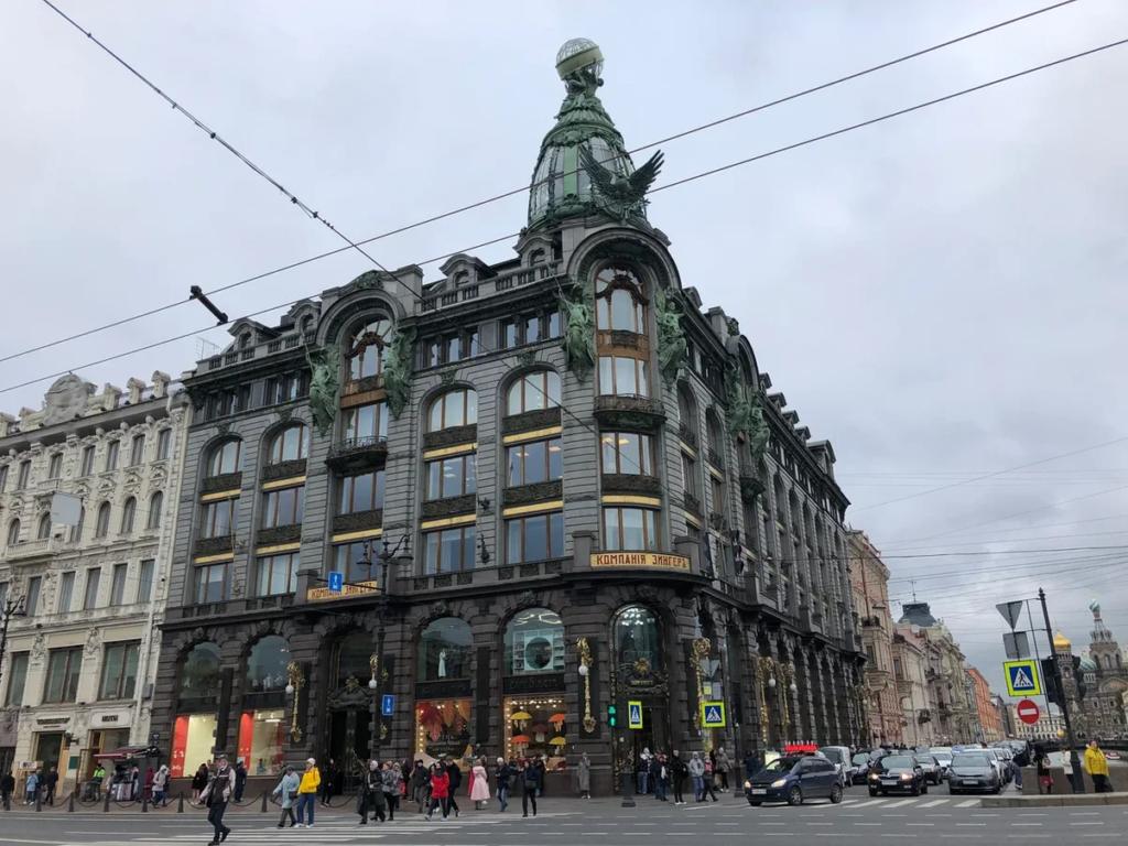 В Дом Зингера возвращается городской книжный магазин