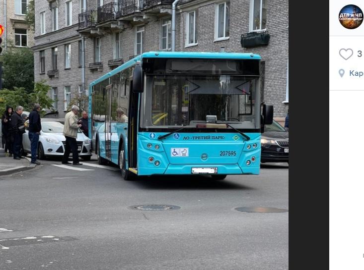 ДТП с автобусом на Школьной создало пробку