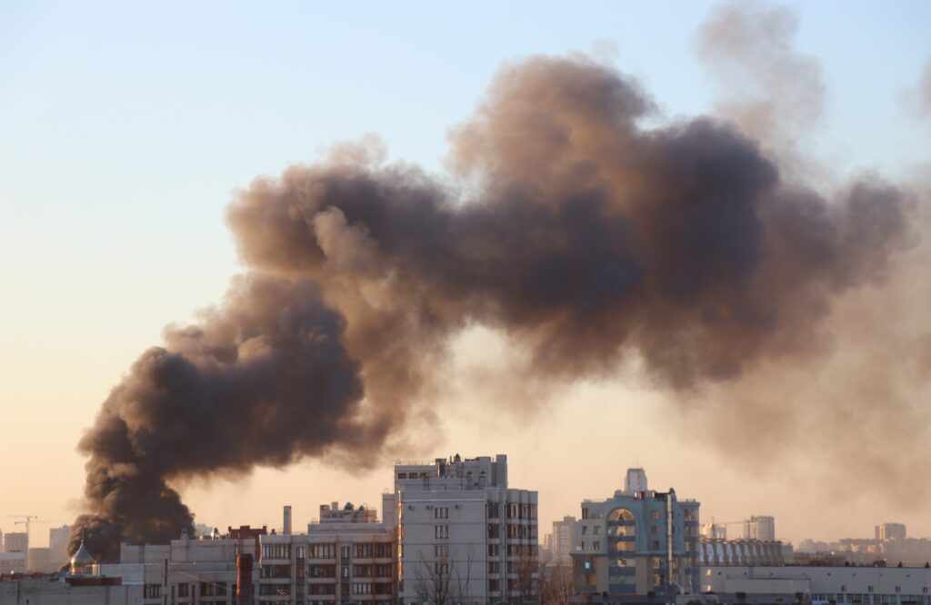 В США в результате взрыва обрушился жилой дом: несколько человек госпитализированы