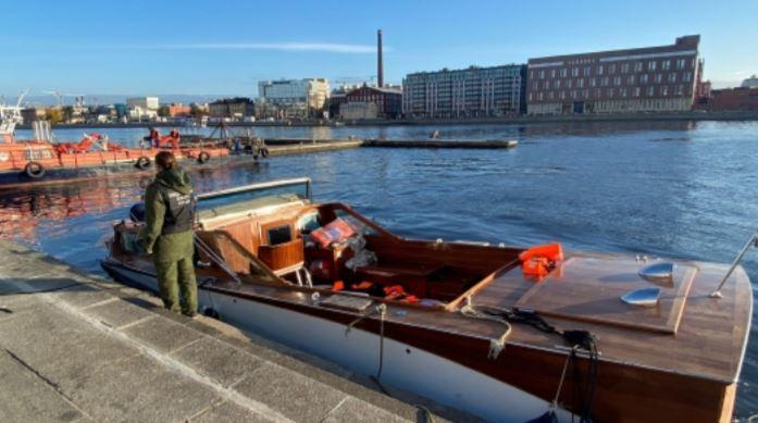 Доследственная проверка организована из-за затонувшего после столкновения с опорой Кантемировского моста катера