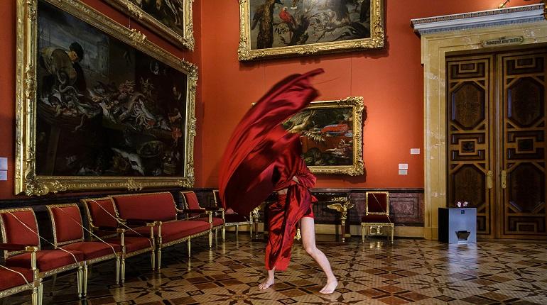 В Эрмитаже впервые представили литературные мистерии, «оживившие» картины