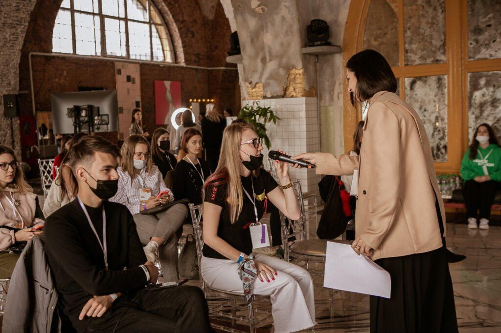 Больше 10,5 млн рублей раздали 22 участникам молодежного форума из Петербурга