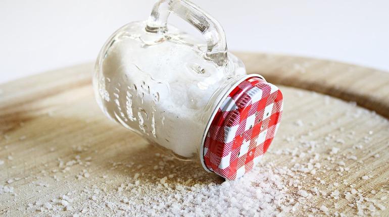Скрытая соль: как ограничить вред от белой специи