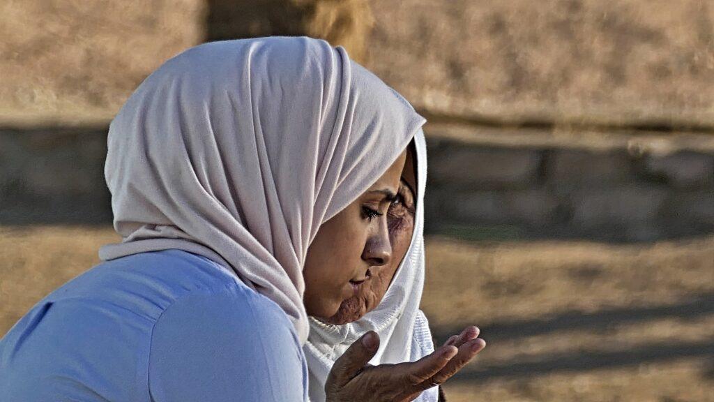 Женщины выходят на массовые протесты в Афганистане