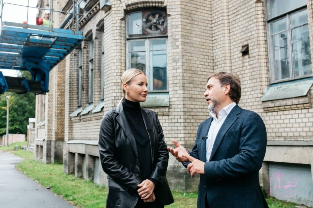 Елена Летучая выступила за спасение исторических зданий Петербурга