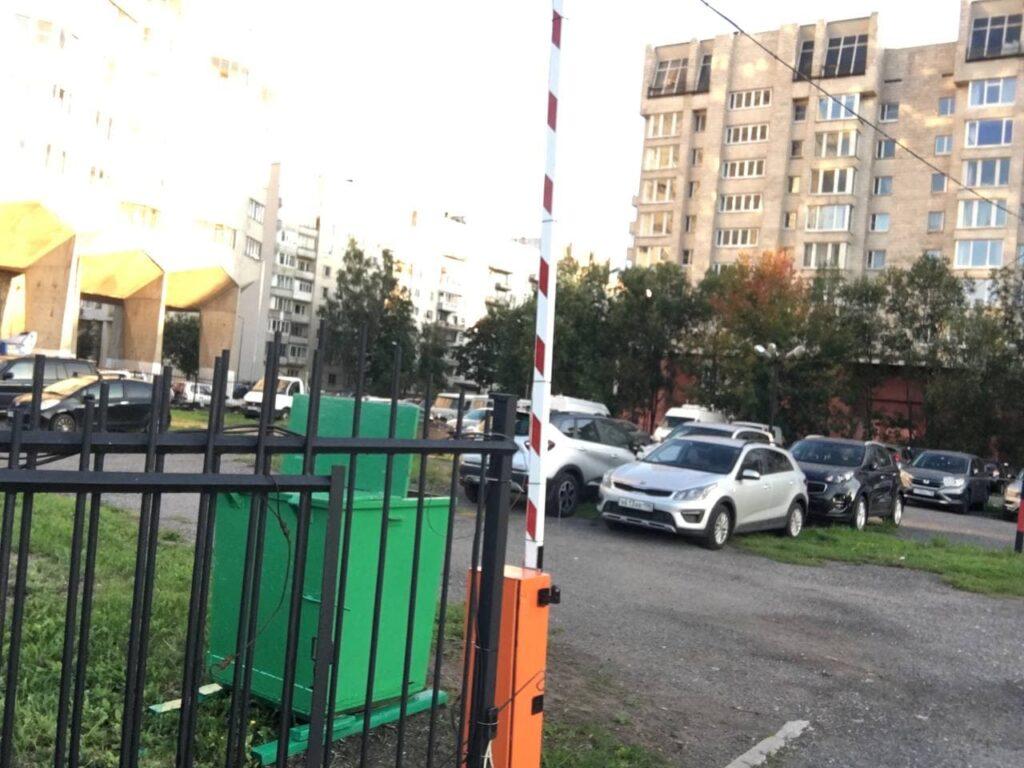 Беглов открыл сквер «Осенний марафон» после благоустройства, на очереди соседние пустующие парковки