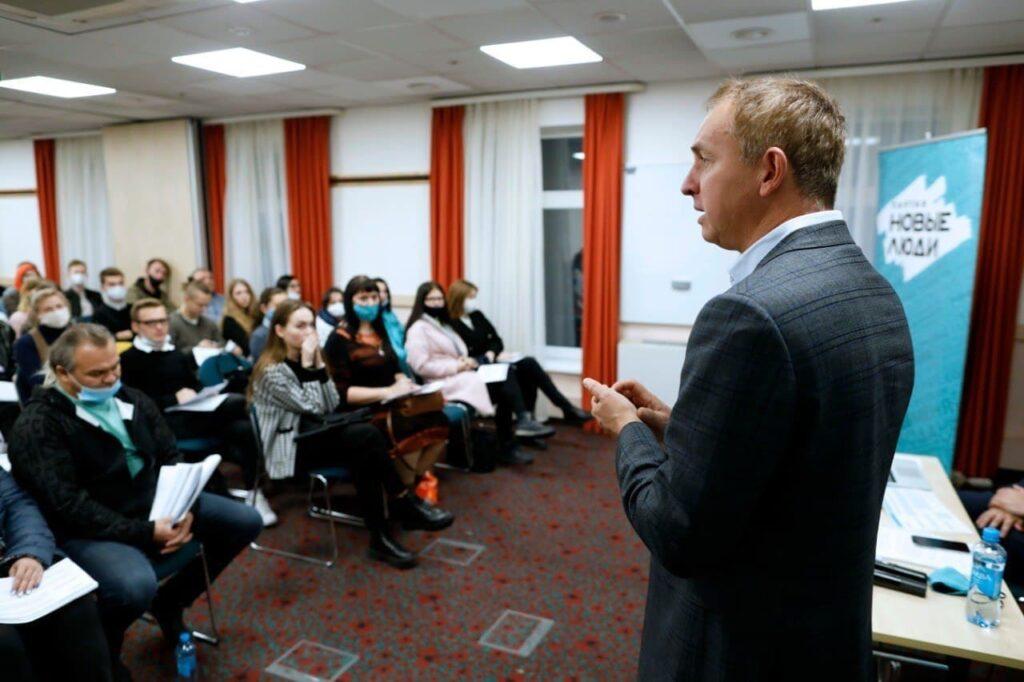 Новые люди в Петербурге проводят тренинги для наблюдателей