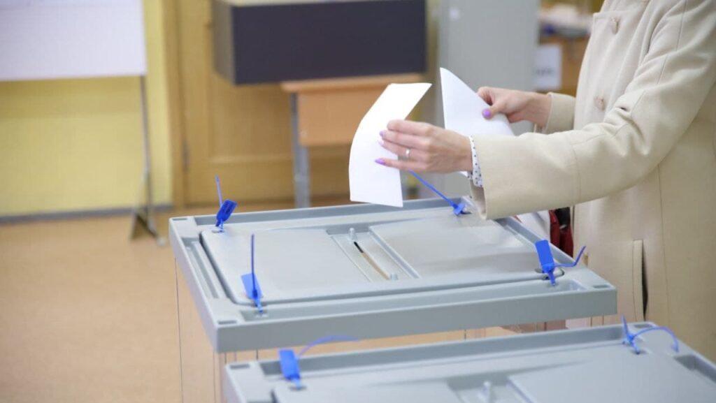 Стала известна явка на выборах в Петербурге к концу 18 сентября