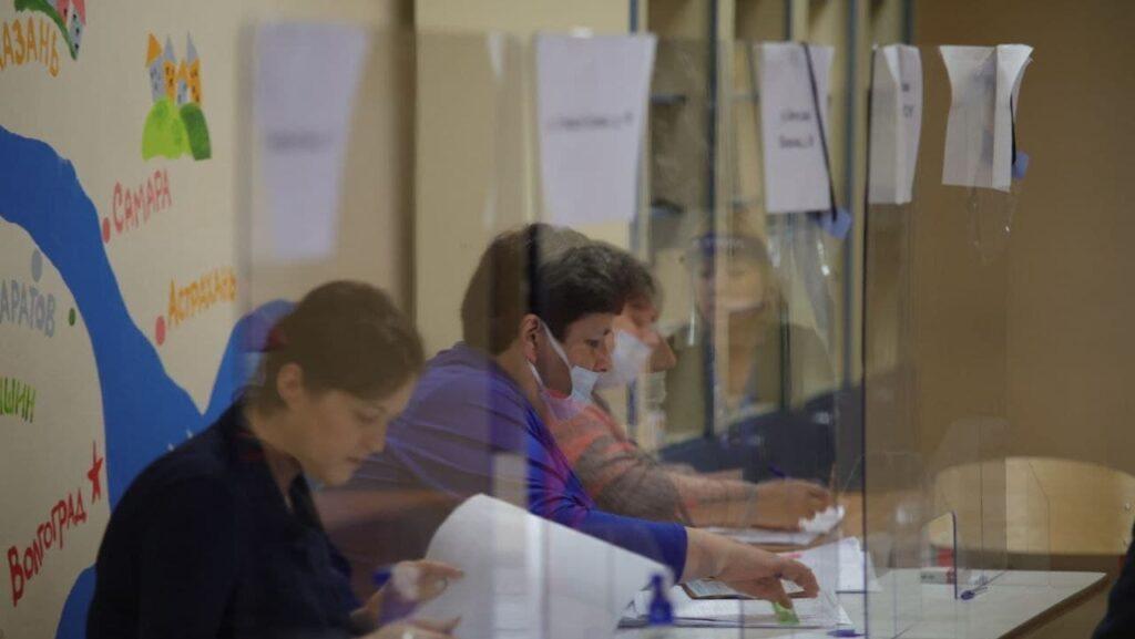 Второй день выборов в Петербурге — в фоторепортаже Мойки78