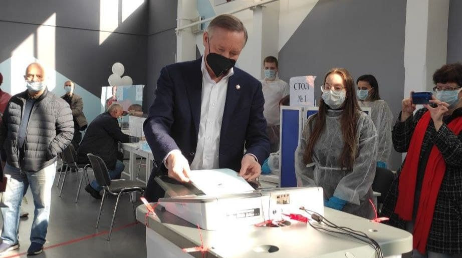 Александр Беглов проголосовал на выборах в Госдуму и Заксобрание