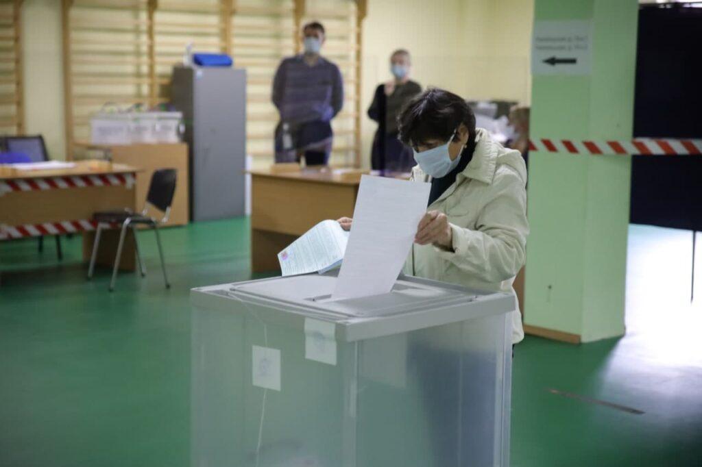 В Петербурге проходит итоговый день выборов в Заксобрание и Госдуму