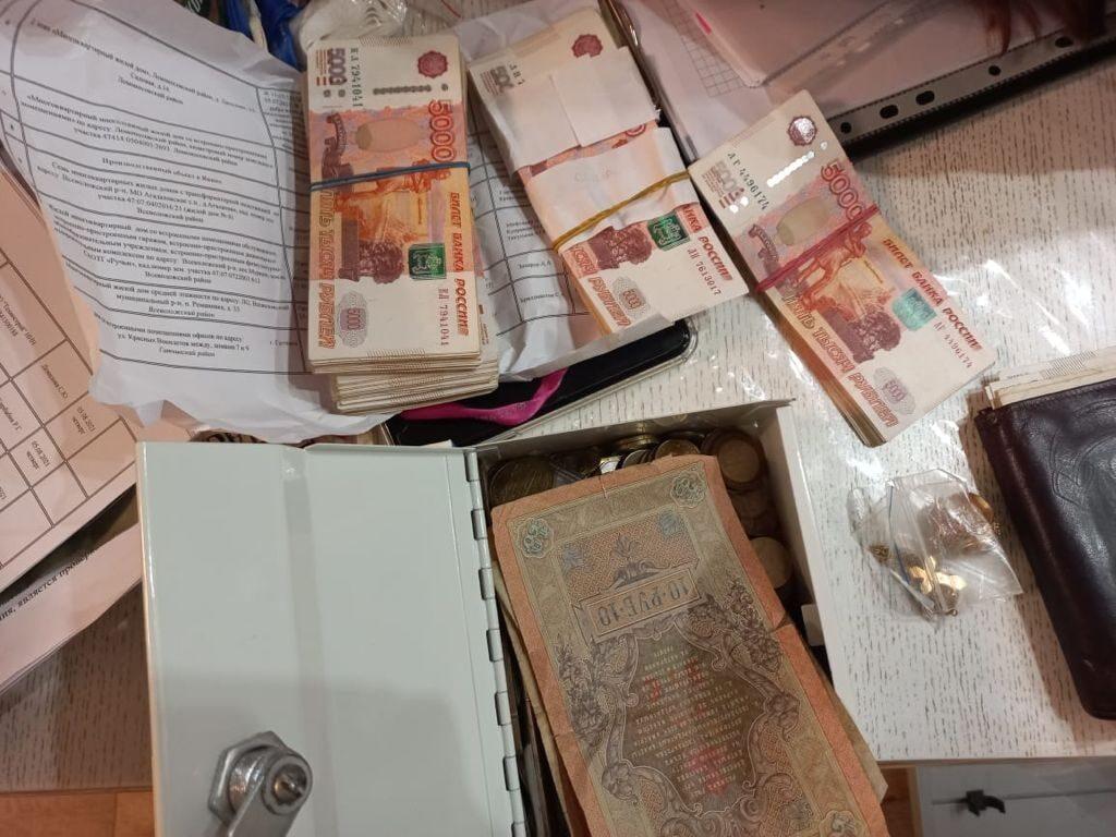 Сотрудник строительного надзора ЛО обвиняется в получении взятки на сумму 170 тыс. руб.