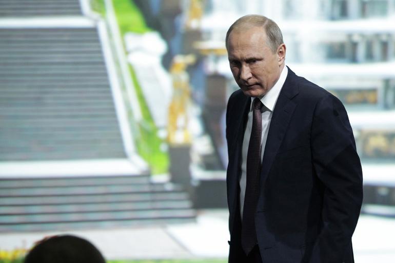 Путин: США совершают ошибку, используя доллар в санкционной политике
