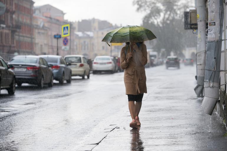 Небольшой дождь посетит Петербург в среду, а 70 лет назад было без осадков