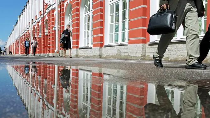 Скандалы в вузах, газовый форум и сбой в работе Facebook: главное за неделю в Петербурге