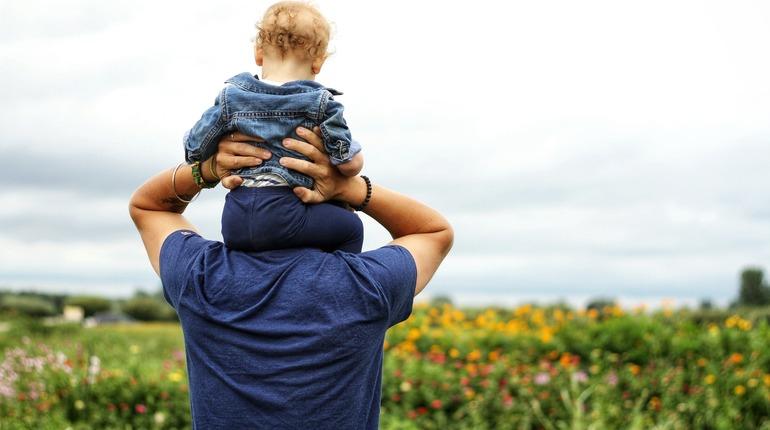 В России учредили День отца, в этом году россияне смогут отметить праздник 17 октября