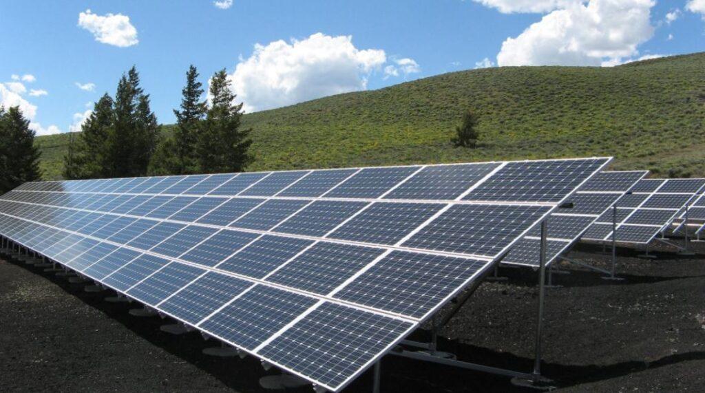 Солнечные электростанции борются с глобальным потеплением, охлаждая Землю