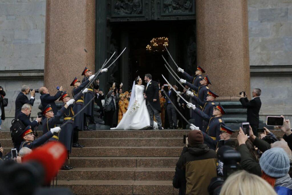 За что Шойгу наказал военных после церемонии венчания потомка Романовых в Петербурге
