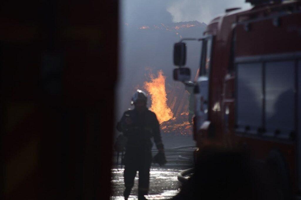 Производственное помещение на Республиканской тушили 25 пожарных