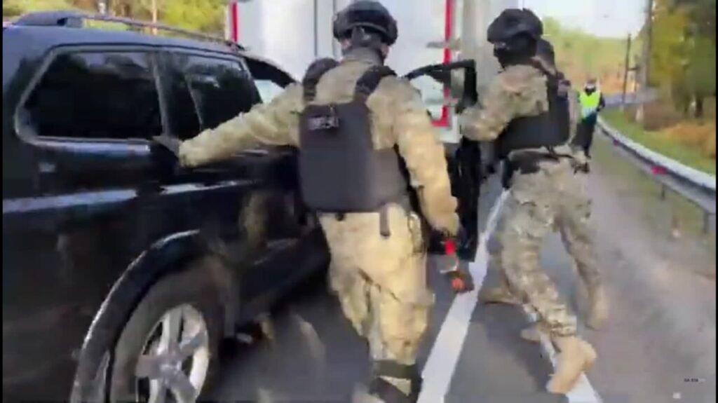 Полиция устроила дорожную пробку для поимки петербургских наркодилеров