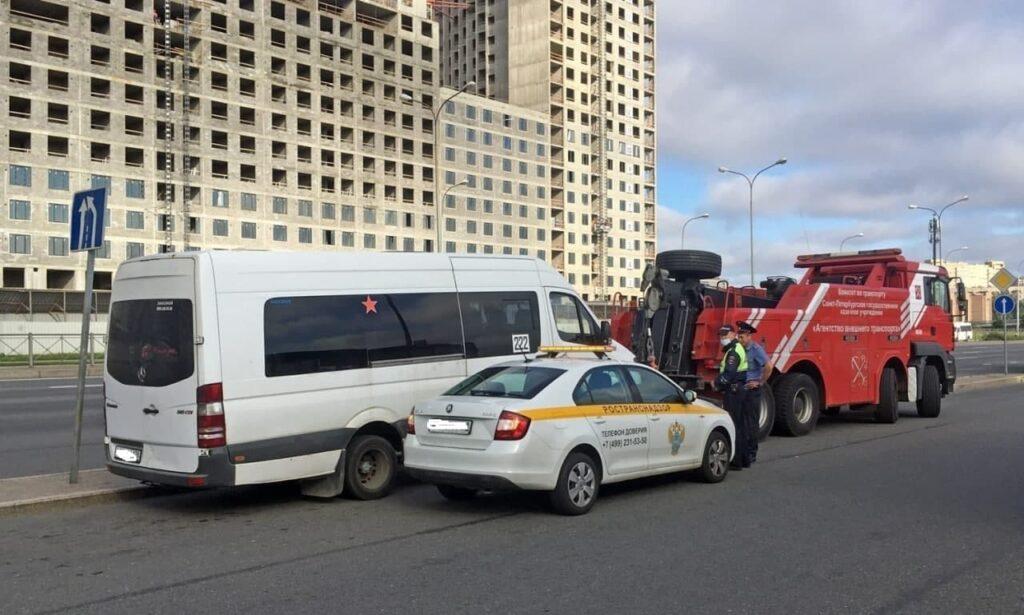 С начала 2021 года в Петербурге арестовали более 400 нелегальных такси